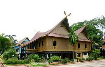 riau island wooden house